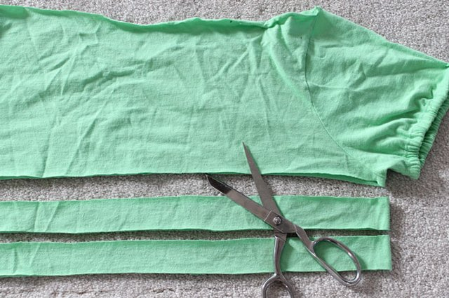Cut two strips from the T-shirt.
