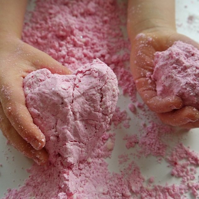 Mold the moon sand to make castles, volcanoes or any shape you like