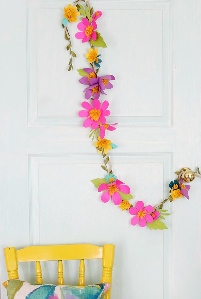 How to make paper flower garlands ehow things youll need mightylinksfo Choice Image