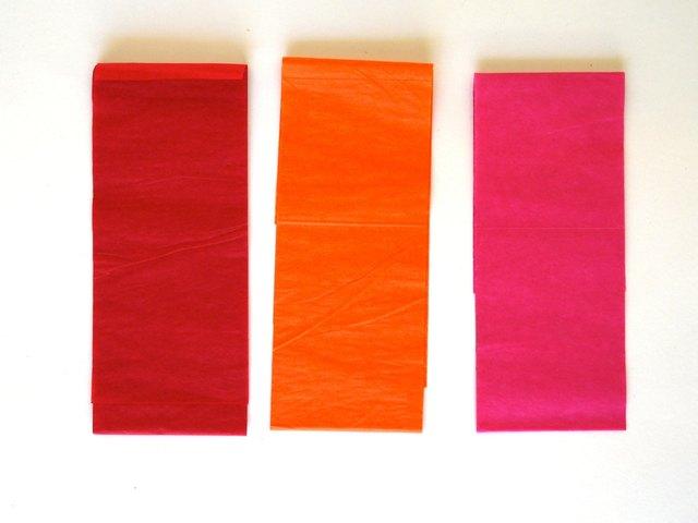 Coupez le tissu en bandes de 3 pouces.