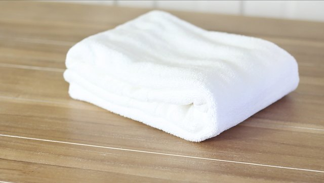 How To Fold Towels To Save Room Ehow