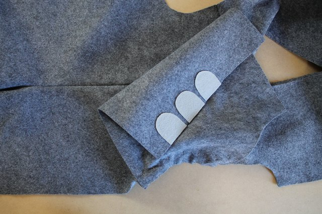 Sewing the sleeve before the side seam allows for a smoother and easier application.