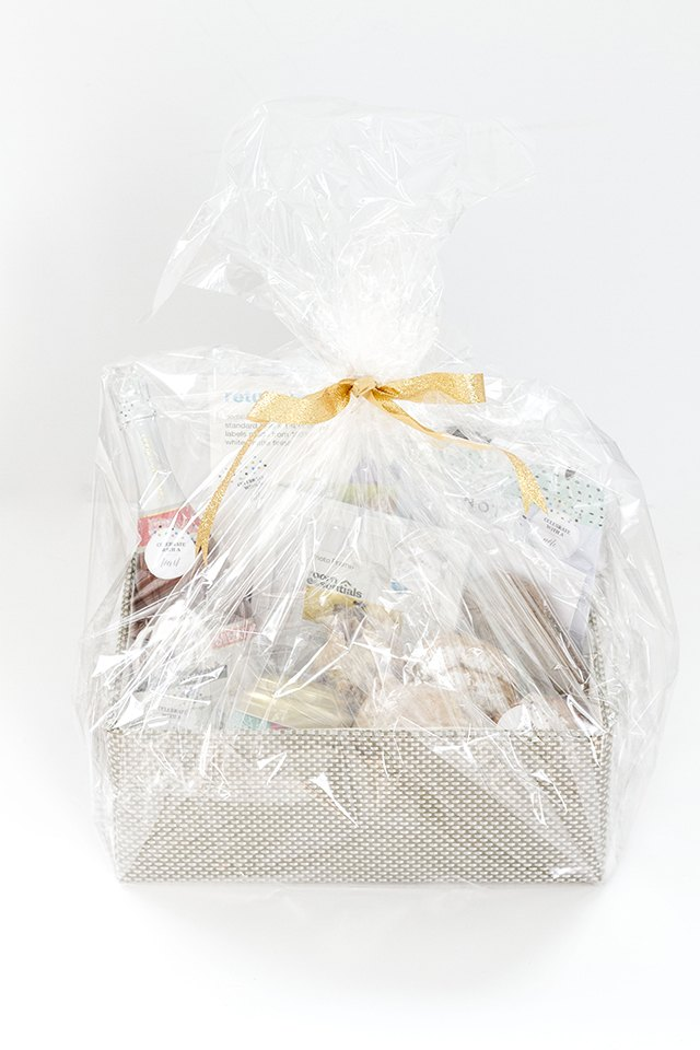 Create your own traditional housewarming gift basket.