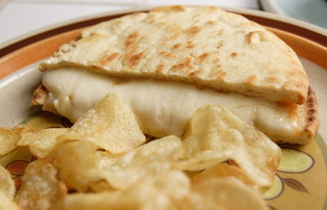 hot cheese pita