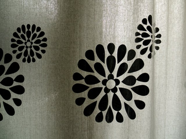 Consumers Can Choose Between Nylon Polyester And Other Types Of Shower Curtains