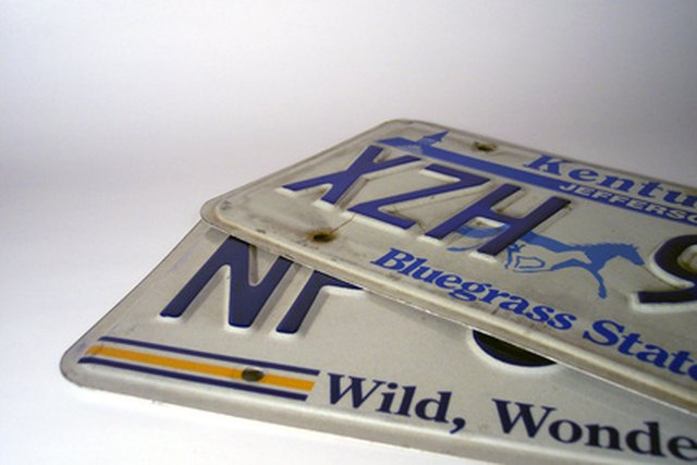 decorating ideas for old license plates | ehow