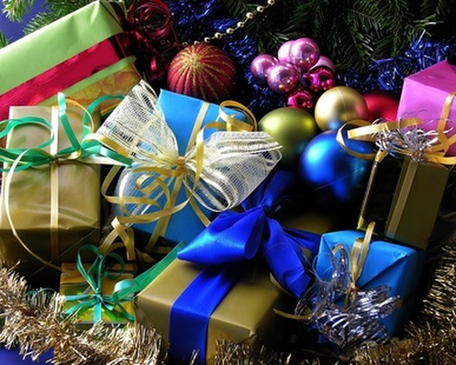 make your christmas party special with games and gifts