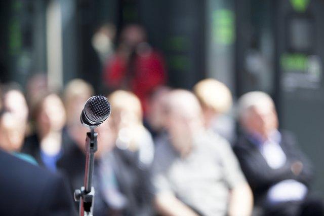 Welcome Speech Ideas for a Class Reunion   eHow