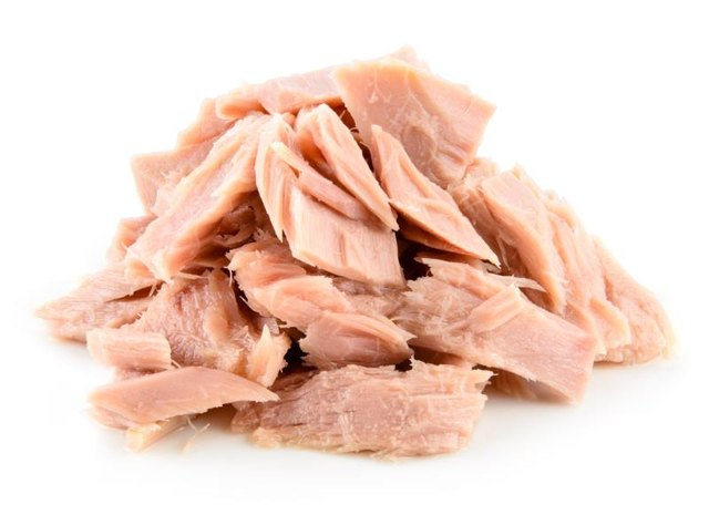 Tuna supplies anti-inflammatory omega-3 fatty acids.