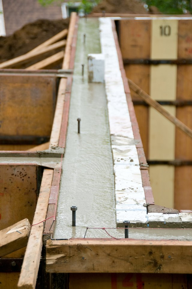 How to Attach Sill Plates to Concrete | eHow