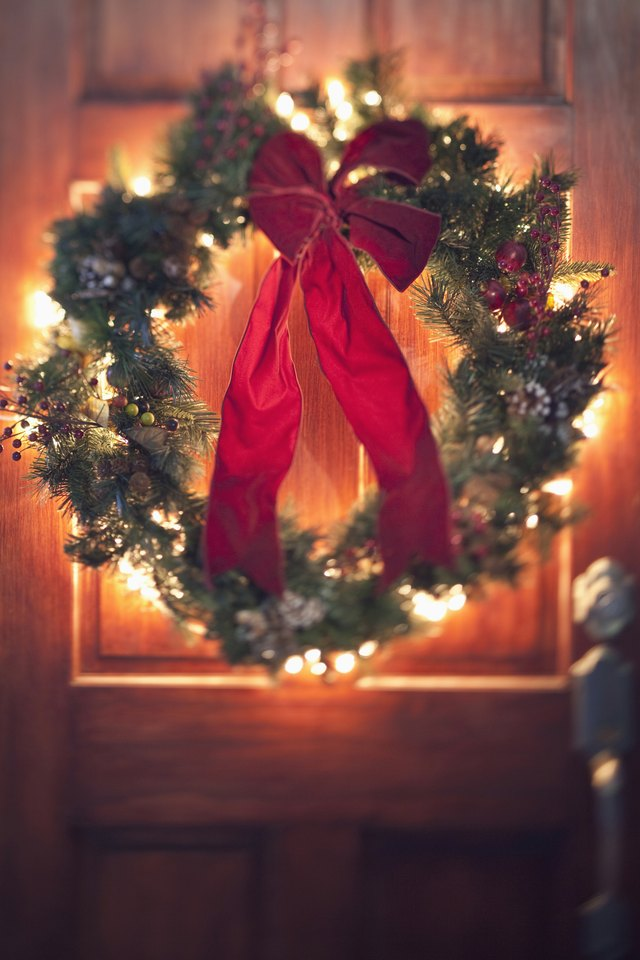 How to make a wreath bow with two ribbons