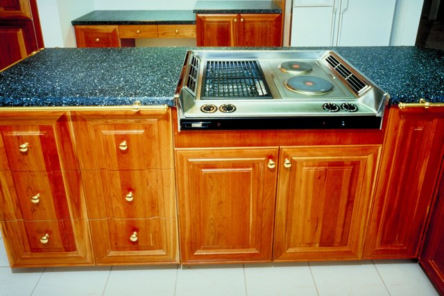 Water Base Vs Oil Base Polyurethane Kitchen Cabinets Ehow