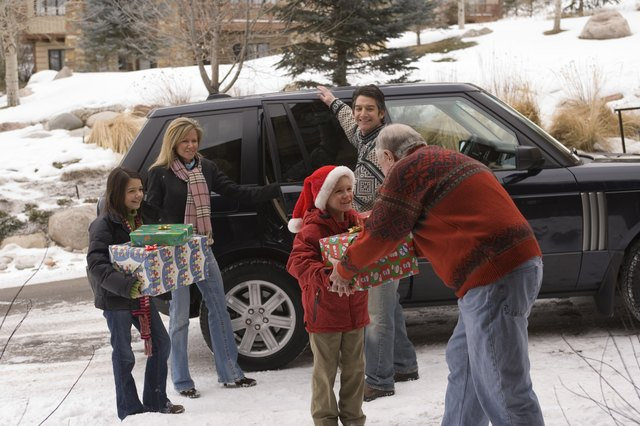 One-Present Gift Exchanges - Christmas Gift-Exchange Ideas For Large Families EHow