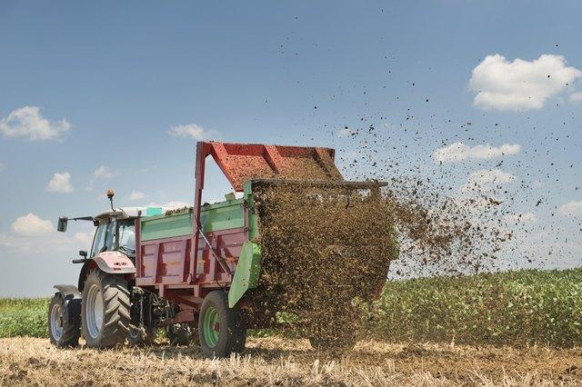 Is Cow Manure a Good Lawn Fertilizer? | eHow