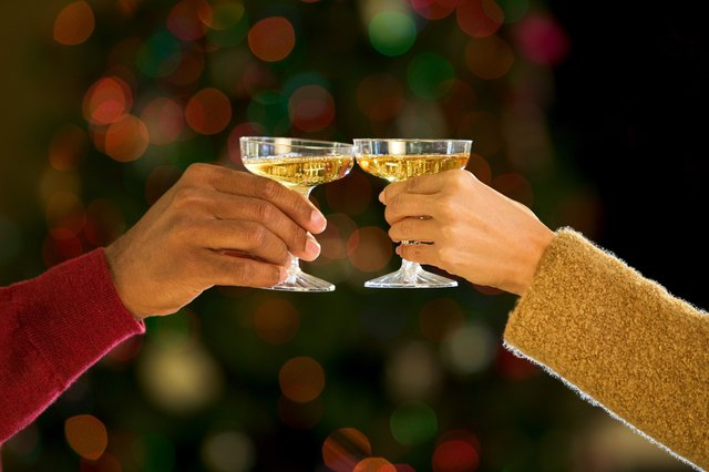 Romantic New Years Eve Ideas For Couples With Pictures Ehow