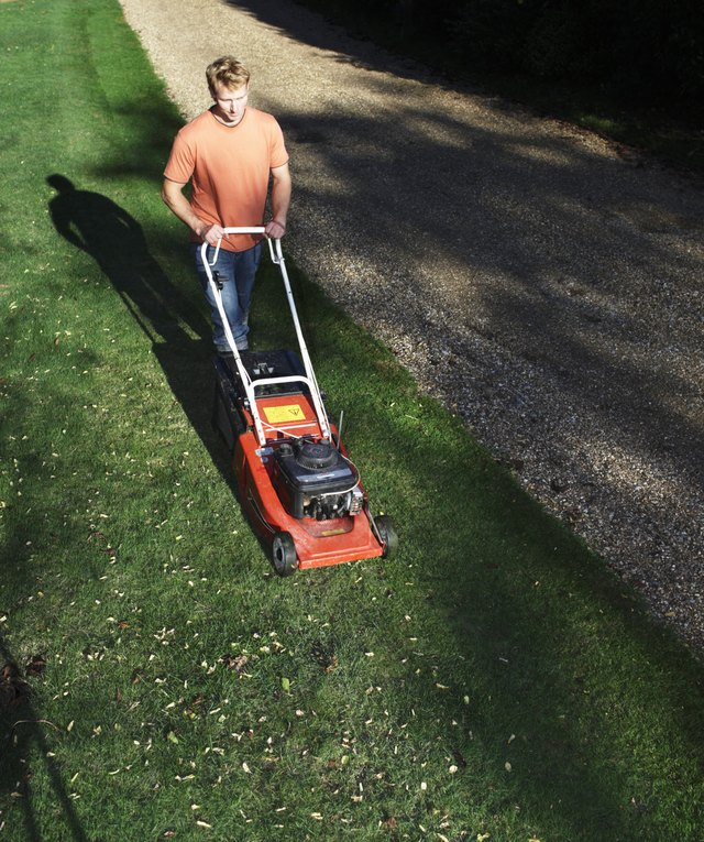 Can Sand Help Prevent a Muddy Lawn? | eHow