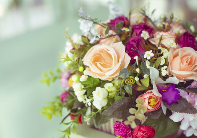 How To Set Prices For Silk Floral Arrangements Ehow