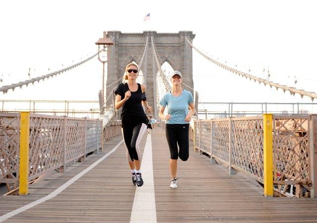 Brooklyn Decker Joins Heidi Klum on her AOL Summer Run Across the Brooklyn Bridge