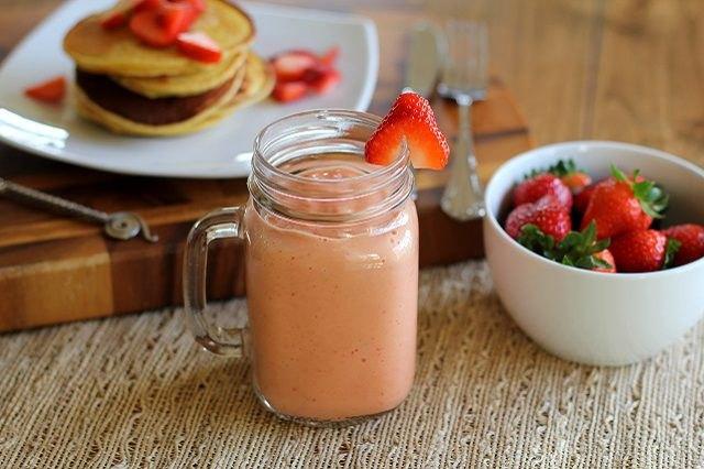 Strawberry Breakfast Smoothie