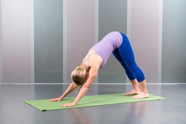 Yoga (Adho Mukha Svanasana)