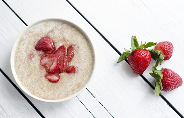 Roasted Strawberry Amaranth Porridge