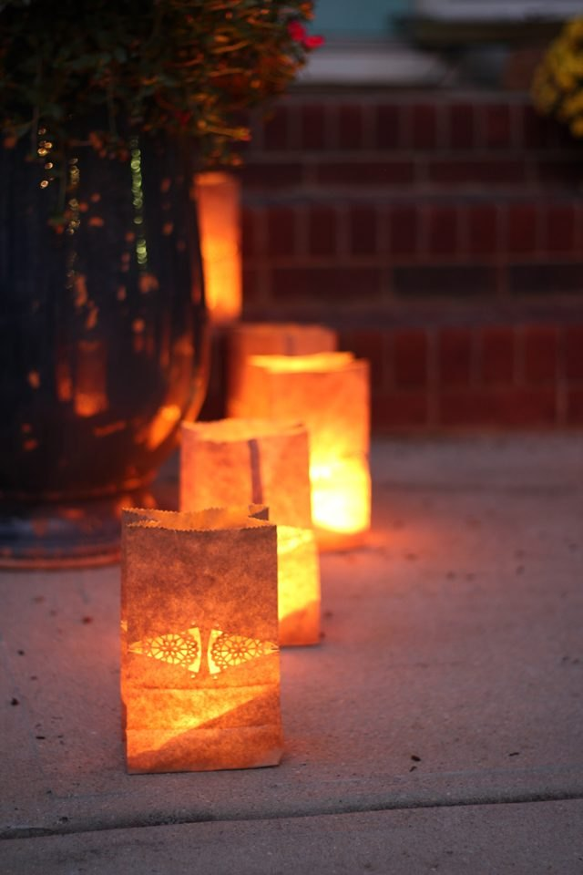 How to create safe paper bag luminaries