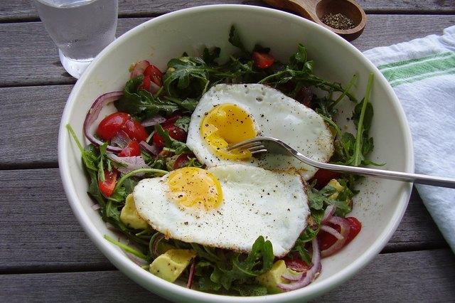 Make-Ahead Vegetarian Breakfast Salad With Eggs