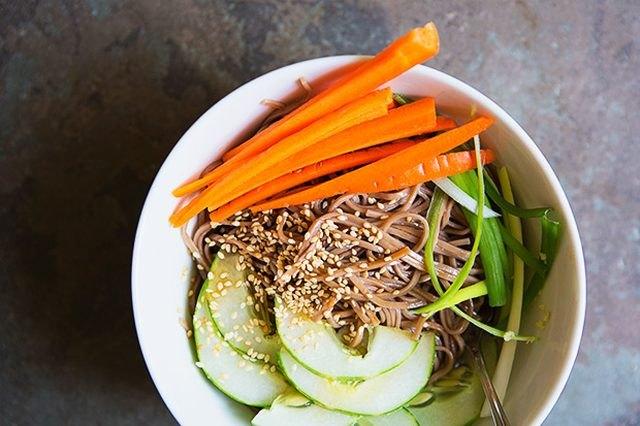 soba noodle salad bowl