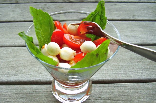 caprese cocktail salad