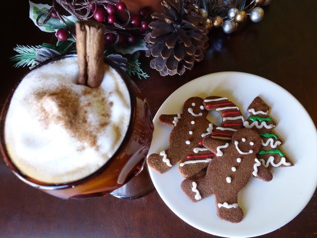 Festive gluten free, low-carb gingerbread cookies