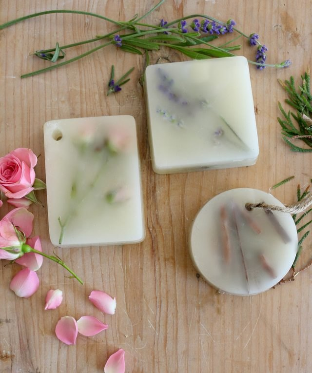 Make your own scented wax bars.