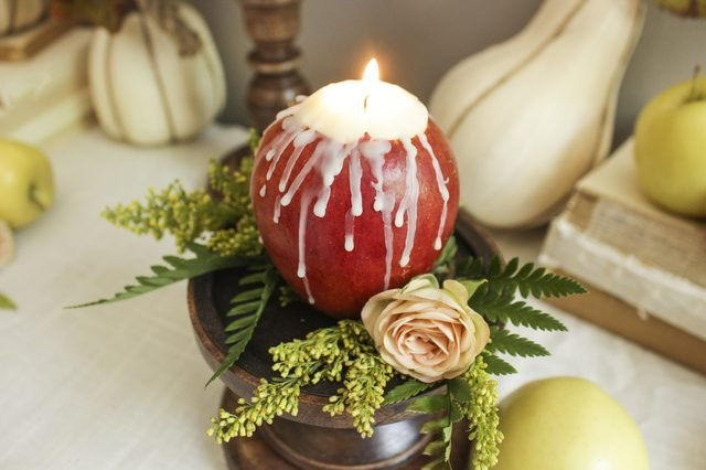 Turn your leftover apples into delightful candles.
