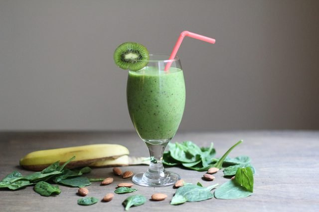 Green Food Processor Smoothie