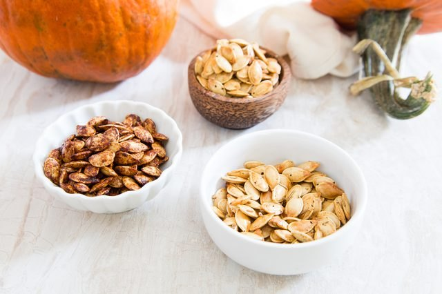 Three fall flavors for roasted pumpkin seeds