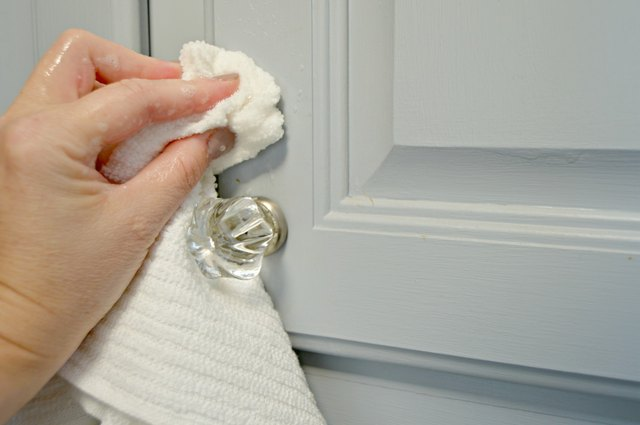 Homemade kitchen cabinet cleaner