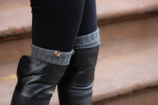 Make a pair of faux-buttoned leg warmers