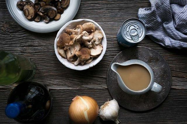 Recipe to make canned gravy taste better
