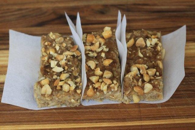 3-Ingredient Peanut Butter Banana Bars