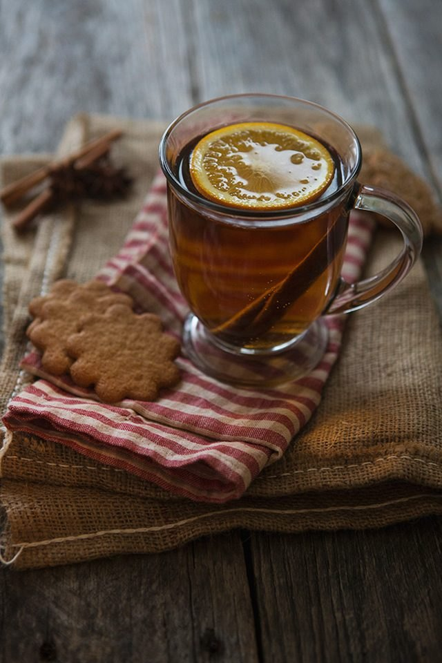 Make a gingerbread hot toddy