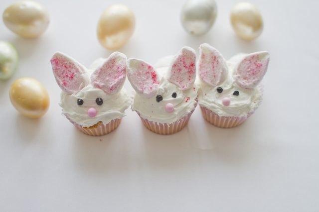 Bunny cupcakes.