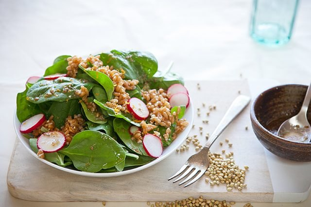 spinach and farro salad with orange zest