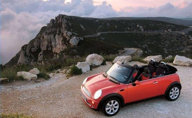 The MINI cabriolet .