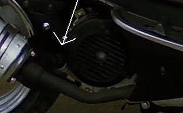 How to Change your Moped/Scooters Engine Oil in 5 minutes