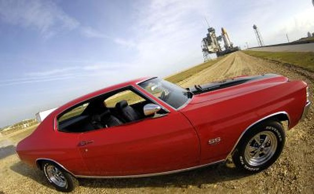 How to Get the Most Horsepower Out of a 454 Chevy Engine