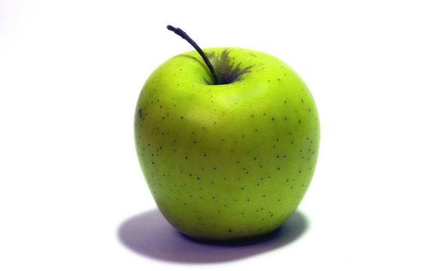 A juicy piece of fruit, like an apple, will help the lunch-eater feel refreshed.