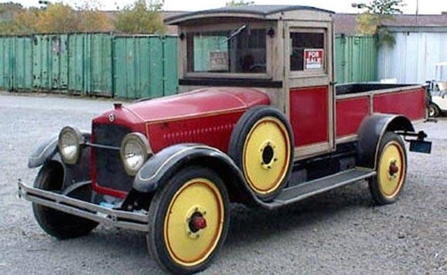A 1923 Studebaker modied as a pickup truck.