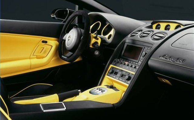 The 2006 Lamborghini interior emphasizes luxury, but in tight quarters.