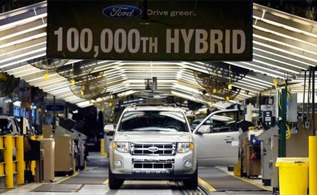 The 100,000th Ford hybrid rolls off the assembly line.
