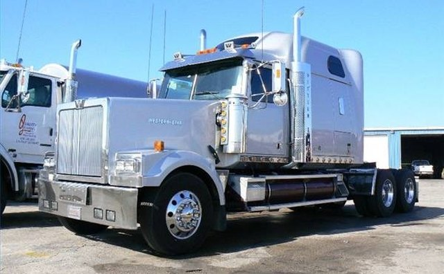 The 2005 Western Star 4900EX Conventional Truck with Sleeper.