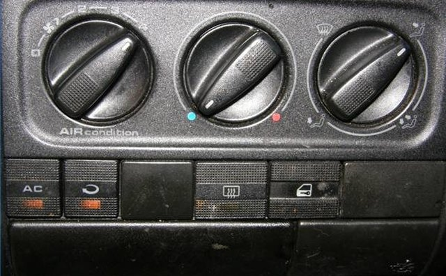 AC control panel in a Volkswagen Jetta